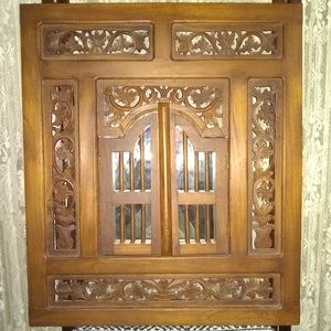 VINTAGE SOLD WOOD HAND CARVED WALL MIPPOR